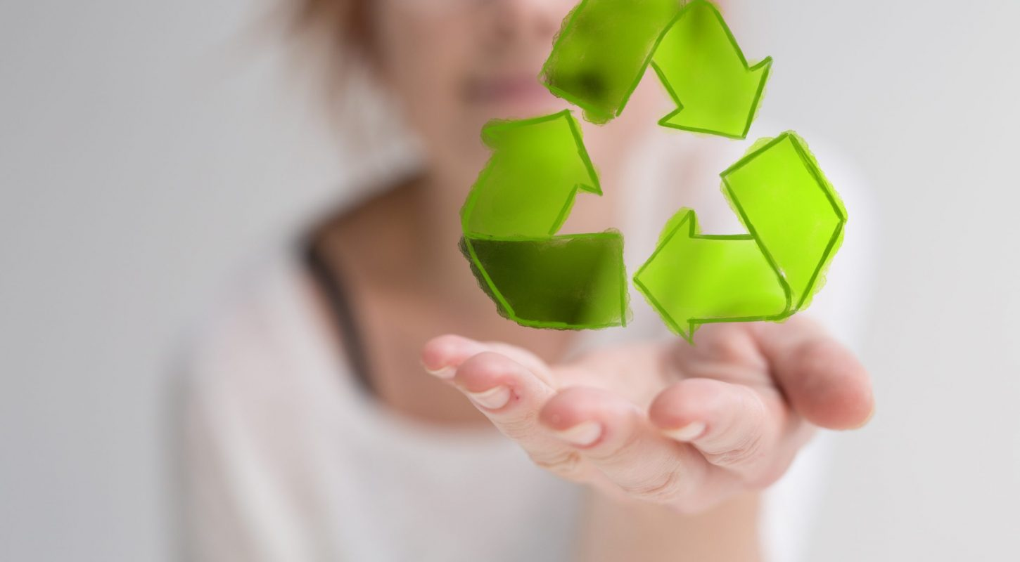 Where is the difference between recycling and remanufacturing a product?